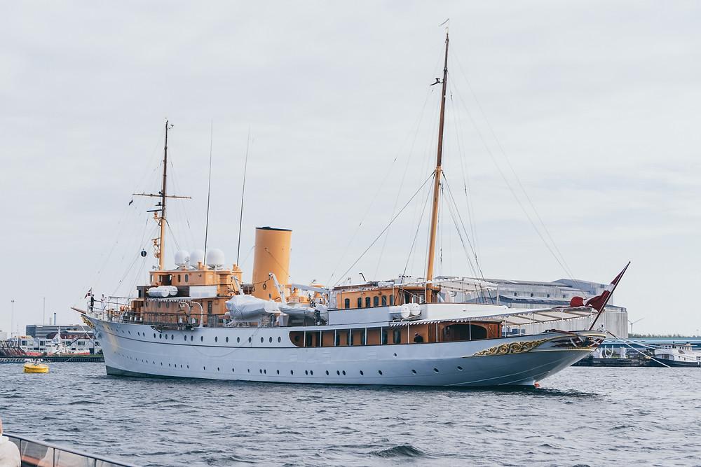 schiff königin, yacht