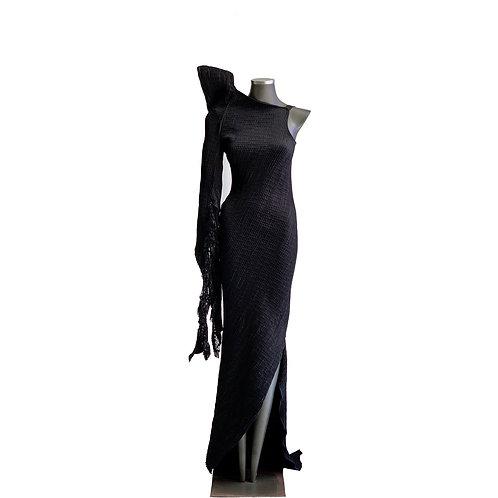 Vestido longo nervurado manga única com franjas