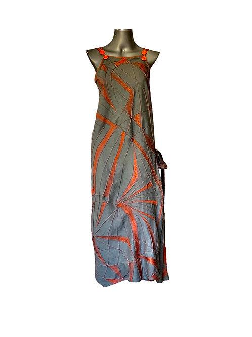 Vestido Linho com bordado e nervuras