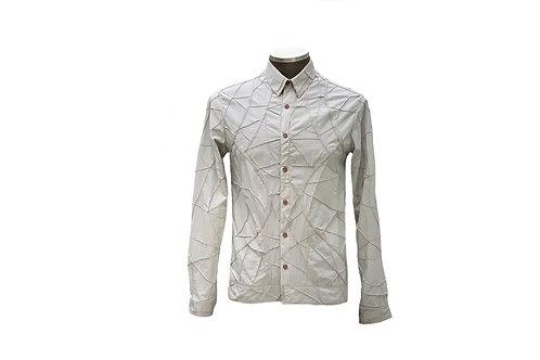 Camisa com recortes e nervuras
