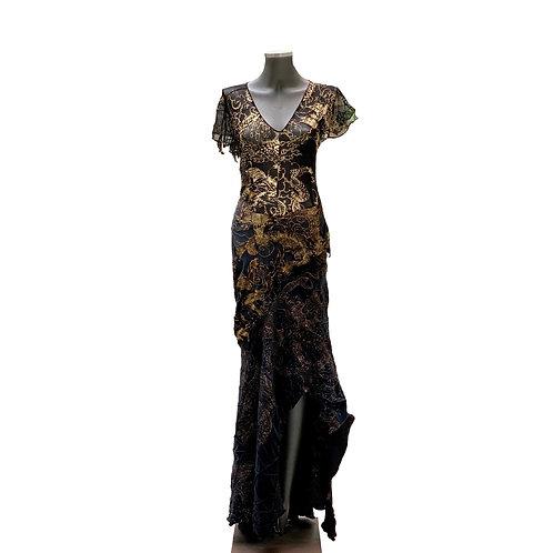 Vestido bordado assimétrico
