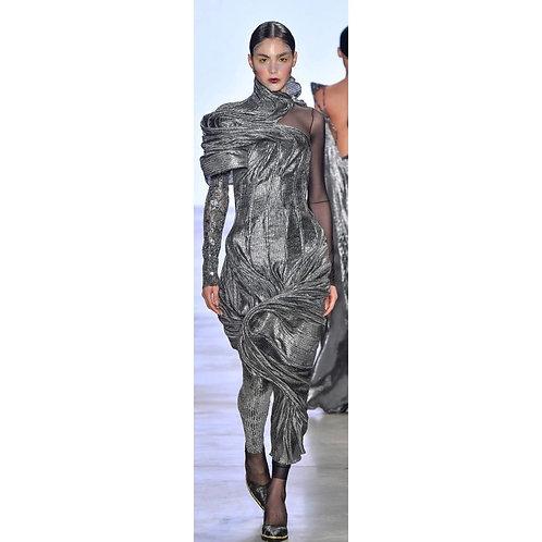 Vestido metalico com estrutura