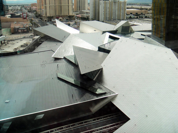 2560px-Crystals_-_Exterior_Roof_-_2010-0