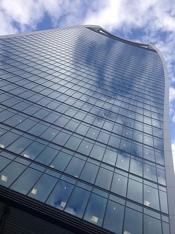 450px-The_Walkie_Talkie_skyscraper,_20_F