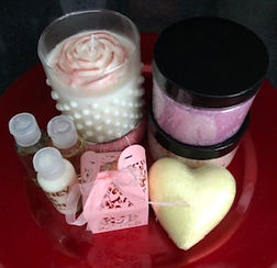 Face & Body Pamper Set with Candle