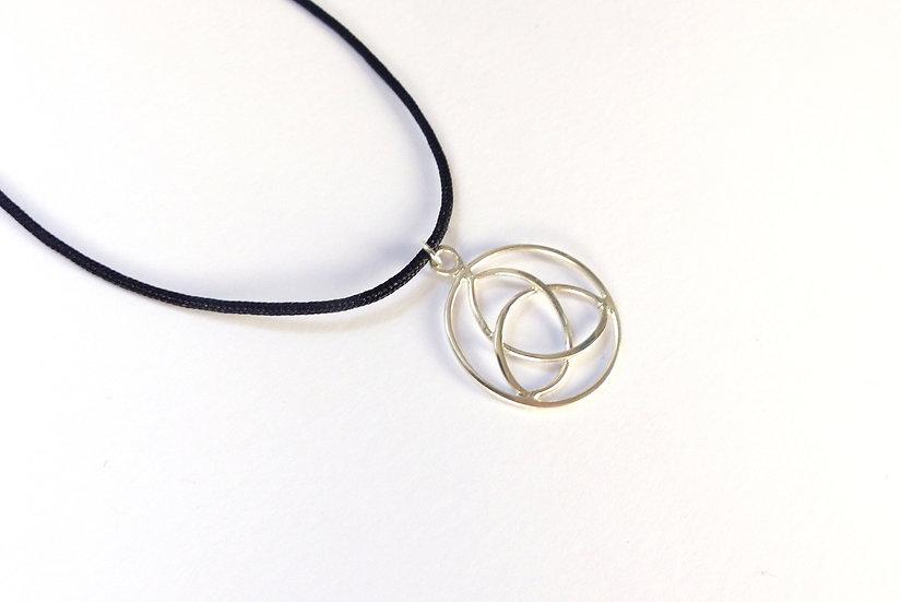 Sterling Silver Celtic Knot Triquetra Pendant