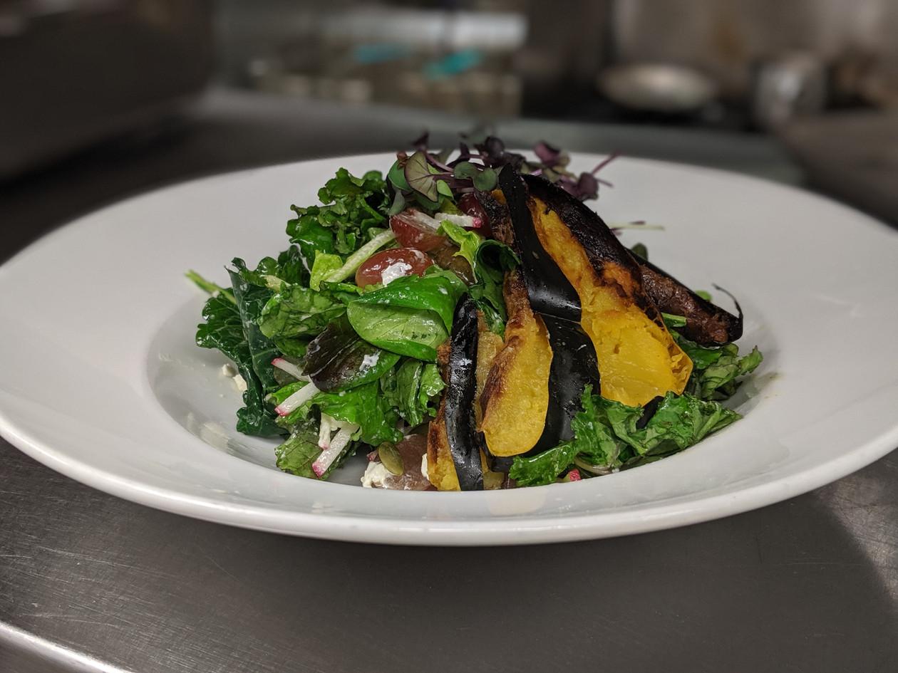 Roasted_Acorn_Squash_Salad.jpg