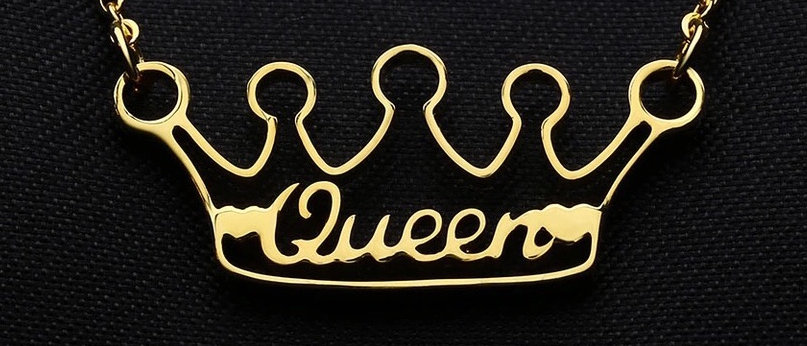 CUSTOM CROWN CARVED NAME NECKLACE