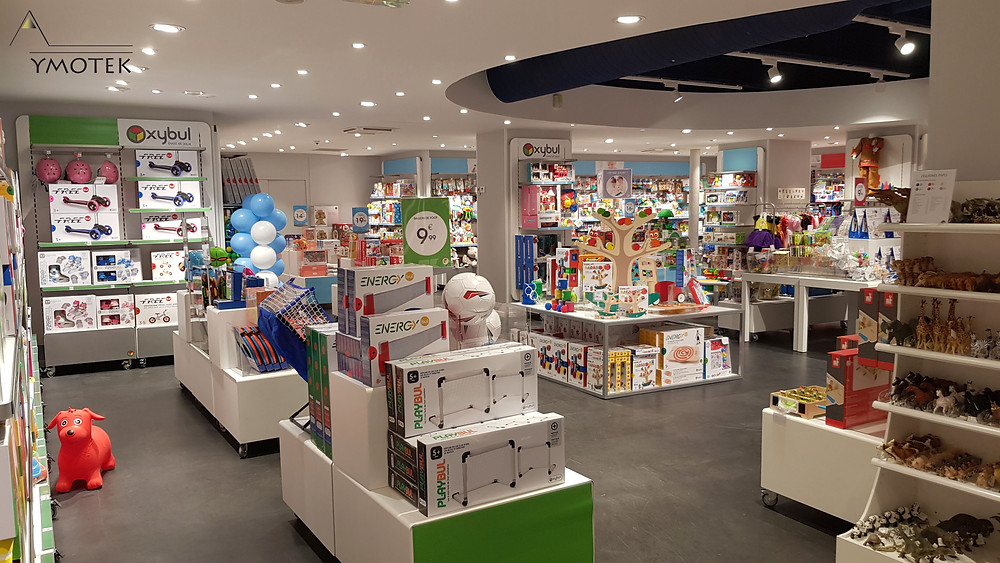 Photo général du magasin Oxybul à Paris, rue de Courcelles