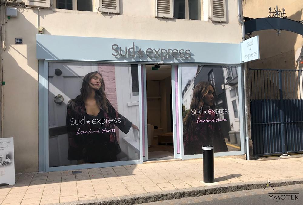 Un magasin ouvrant très prochainement. La facade a été embelli.