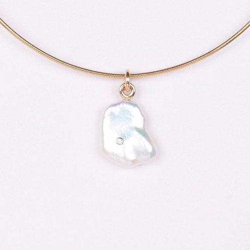 Freshwater Petal Pearl w/ inset Diamond Drop