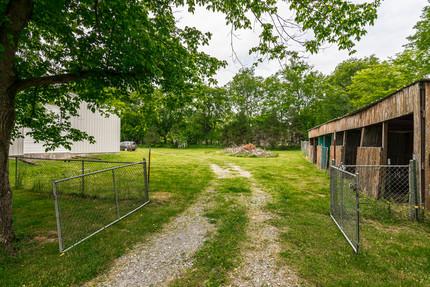 4 stall horse barn