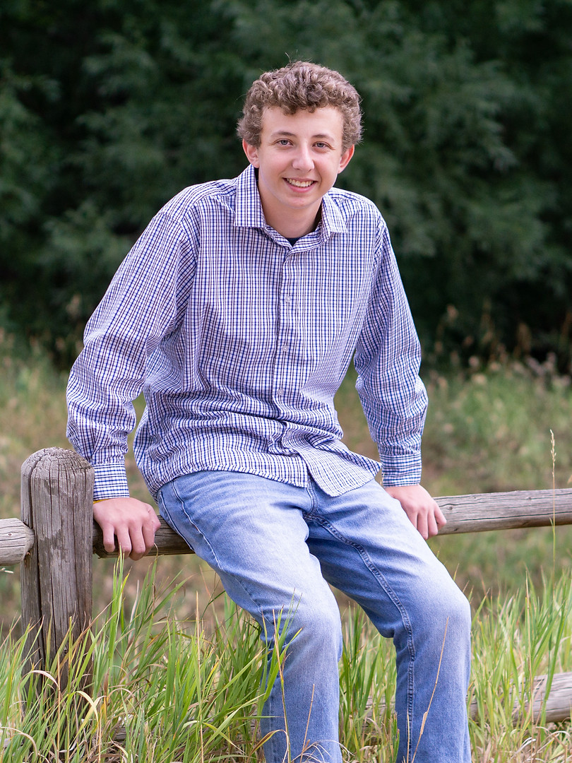Dylan Senior Photos (22 of 45).jpg