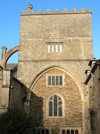 Abbey Transept Arch.jpg