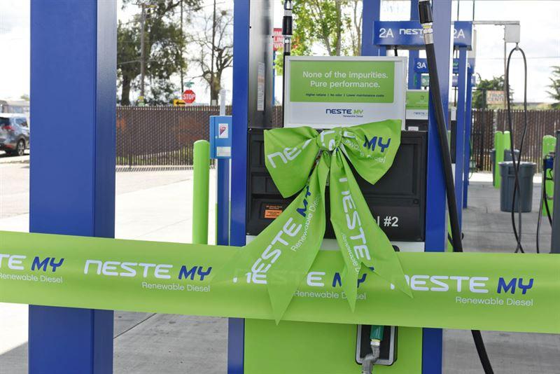 renewable diesel, biobased diesel fuel station