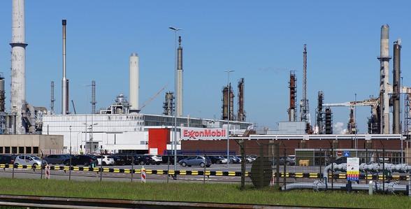 ExxonMobil enters renewable diesel tech arena with EMRD