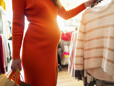 Maternity fashion: creating a sustainable & minimalist wardrobe that serves during & after pregnancy
