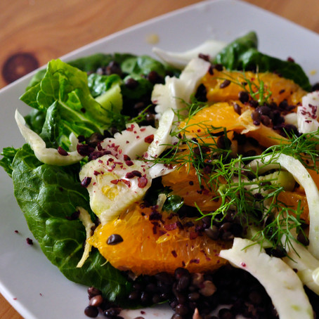 Salatidee: Belugalinsen mit Orangen, Fenchel und Sumach