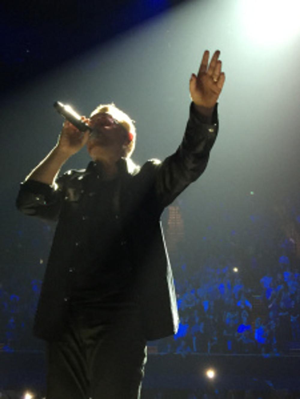 Bono Live U2