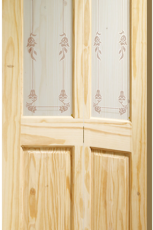 Knotty Pine Victorian Bi-Fold with Bluebell Glass