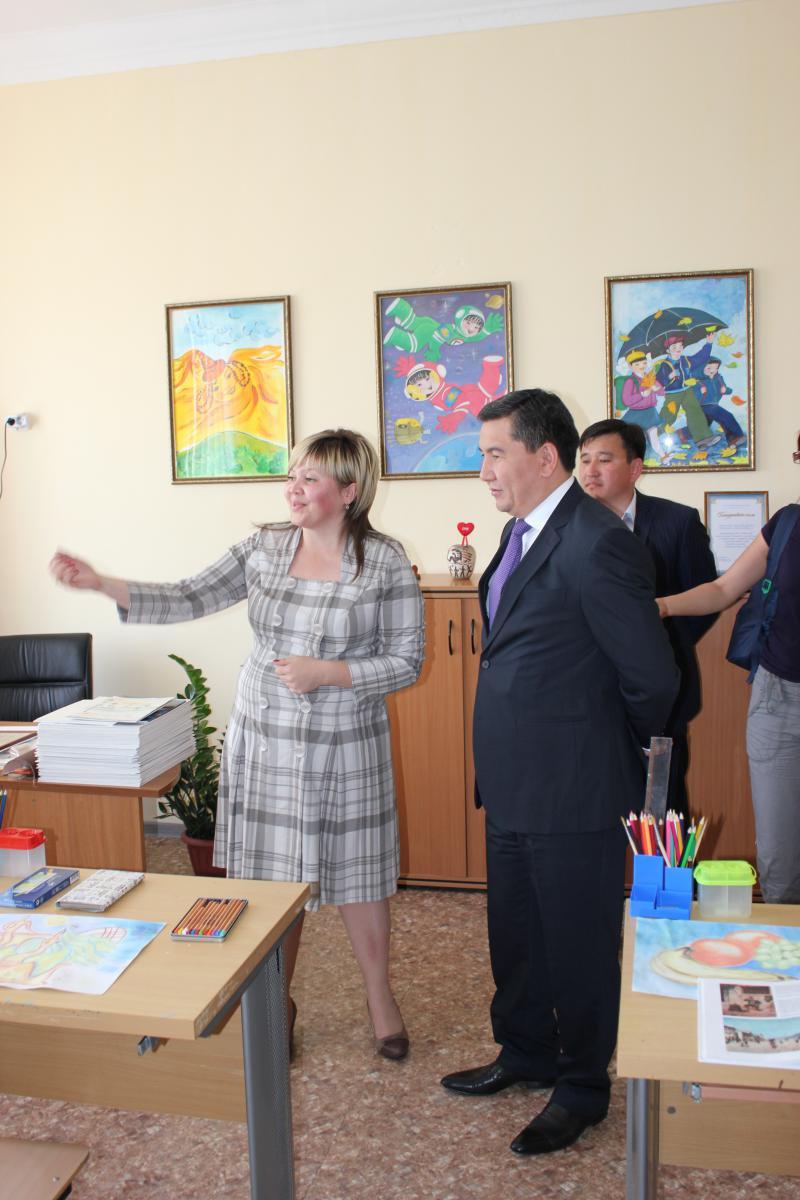 Встреча министра А. Саринжипова с воспитанниками детского дома Астаны 5.jpg