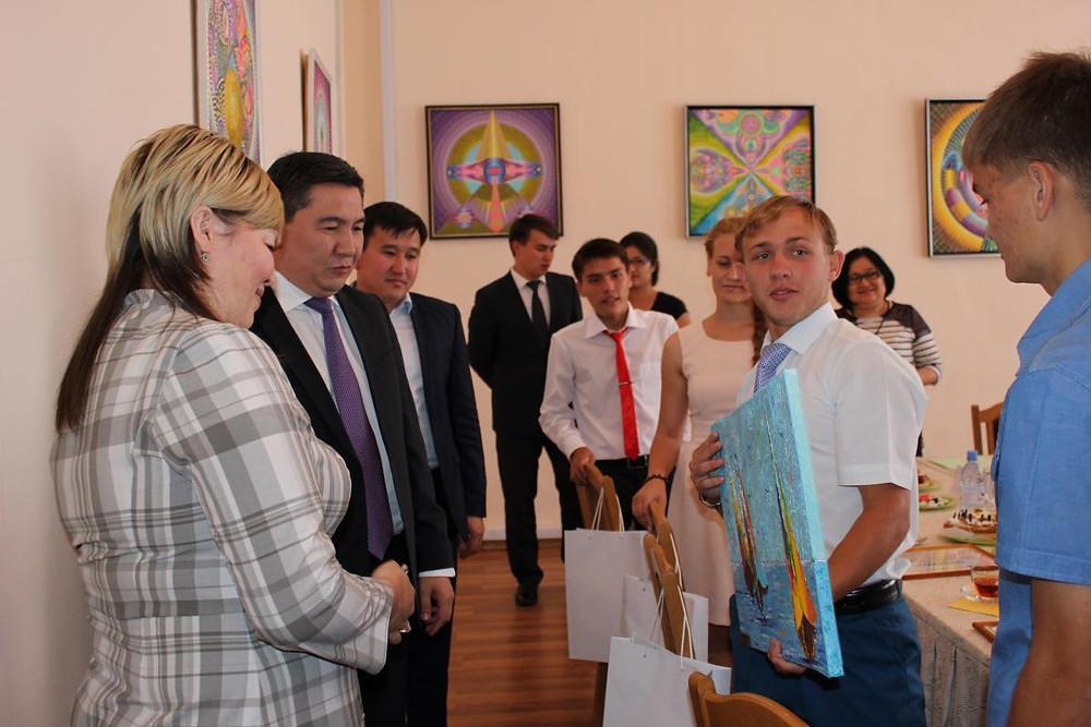 Встреча министра А. Саринжипова с воспитанниками детского дома Астаны 3.jpg