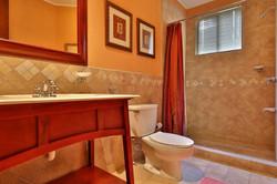 bougainvillea_1101_guest_bathroom