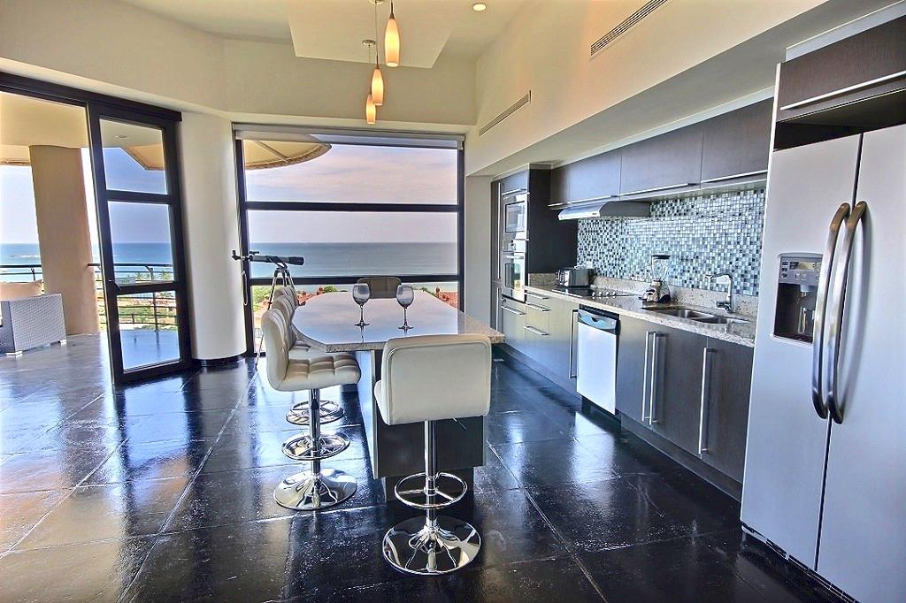 la_perla_6_3_kitchen