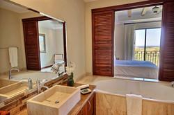 jobo_15_reserva_conchal_master_bathroom