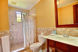 bougainvillea_6102_guest_bathroom