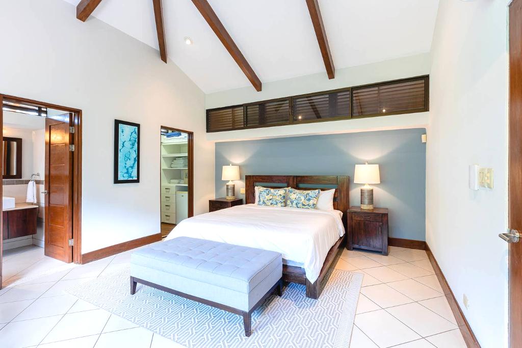 villa_selmena_master_bedroom
