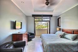 villa_serena_guest_bedroom