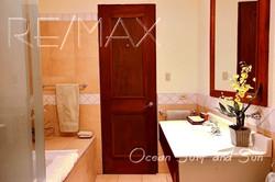 bougainvillea_2305_master_bathroom