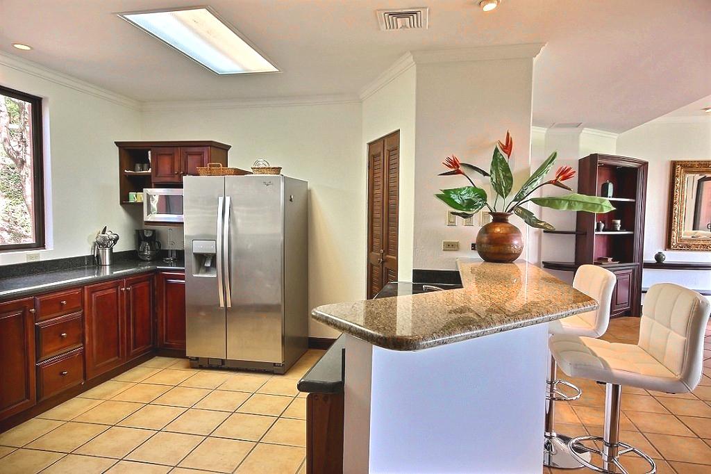 bougainvillea_3103_kitchen