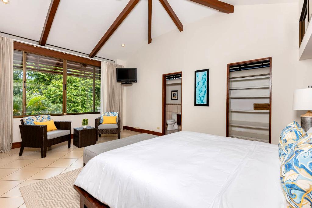 villa_selmena_master_bedroom_2