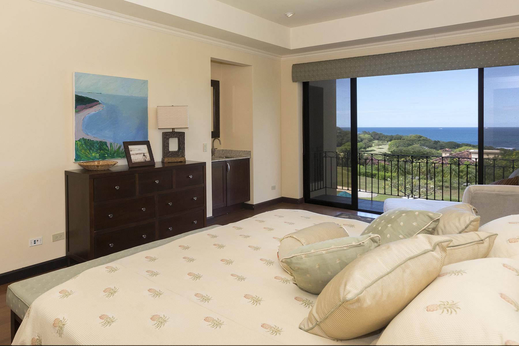 malinche_321B_master_bedroom