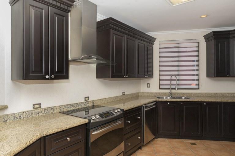 bougainvillea-6306-kitchen