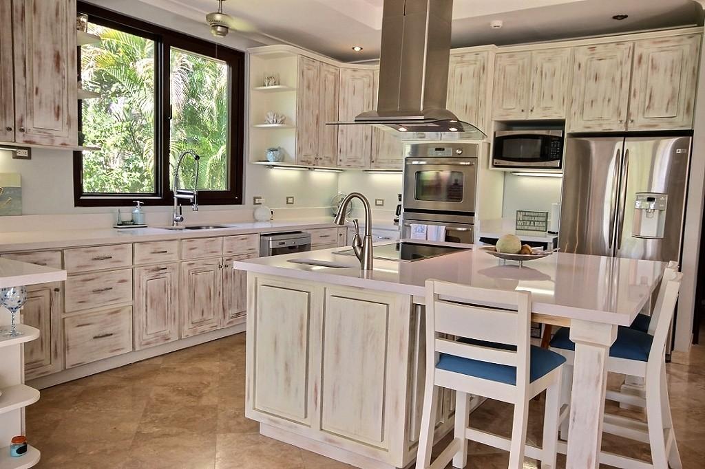 villa_serena_gourmet_kitchen