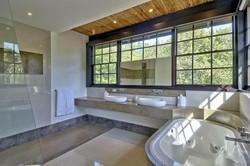 venados_21_the_other_master_bathroom
