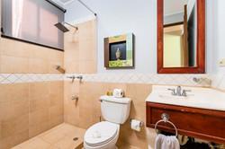 bougainvillea_8103_guest_bathroom