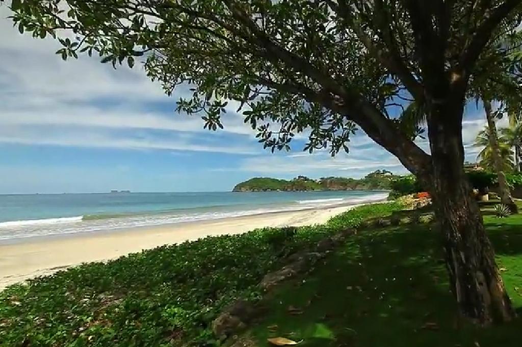 flamingo_beach_costa_rica