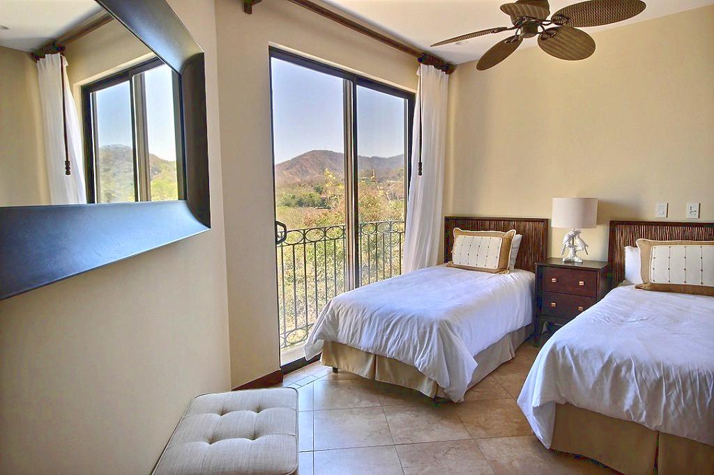 jobo_15_reserva_conchal_guest_bedroom