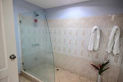 sunrise_tamarindo_51_master_bathroom