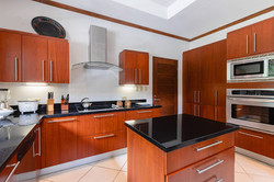 villa_selmena_equipped_kitchen