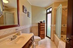 bougainvillea_reserva_conchal_master_bath