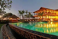 haciena_pinilla_beachclub_pool_night