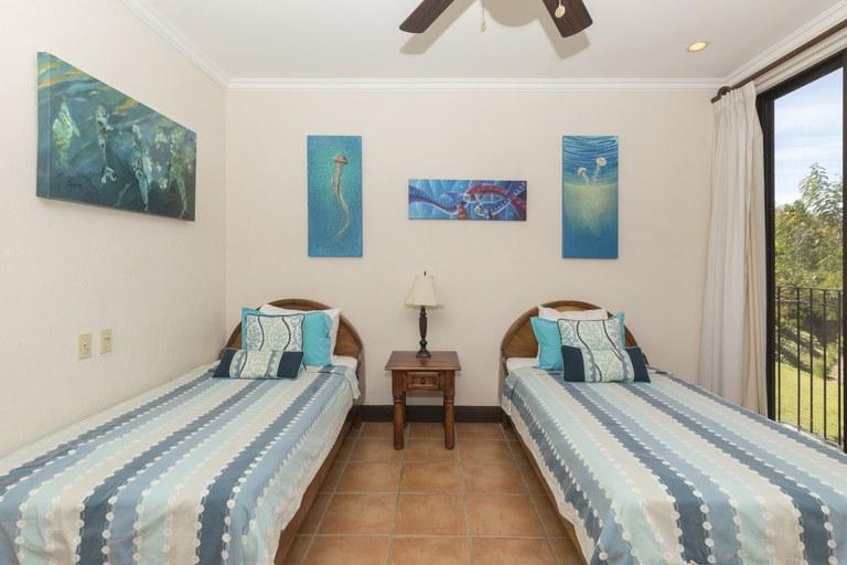 bougainvillea-6306-twin-bedroom