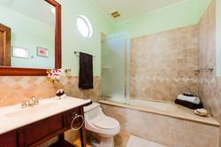 reserva_conchal_master_bathroom