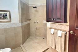 18_bougainvillea_8209_walk_in_shower