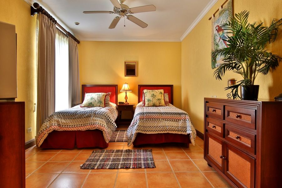bougainvillea_1101_guest_bedroom